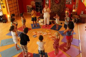 Surya_Namaskar_Yoga_Enfant_CATCO_Besancon